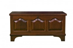 Cathedral Raised Panel Small Cedar Chest
